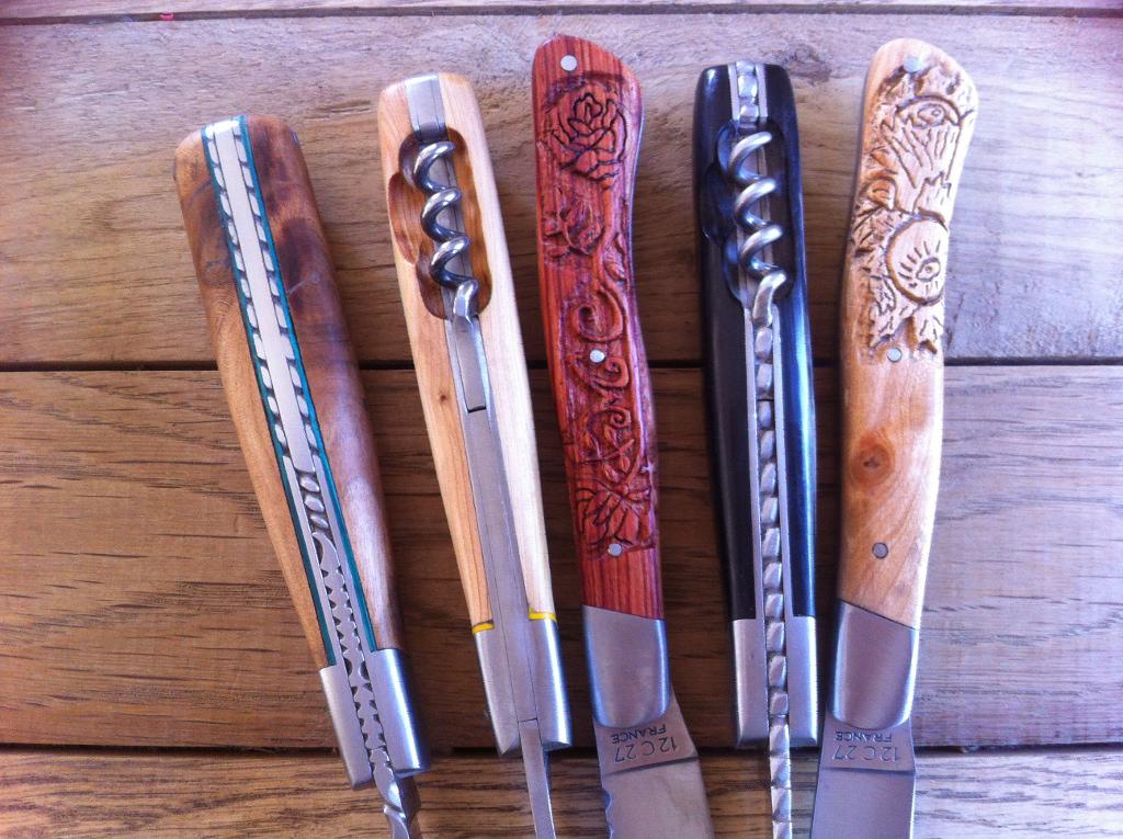 Différents modèles du Couteau le Cantal